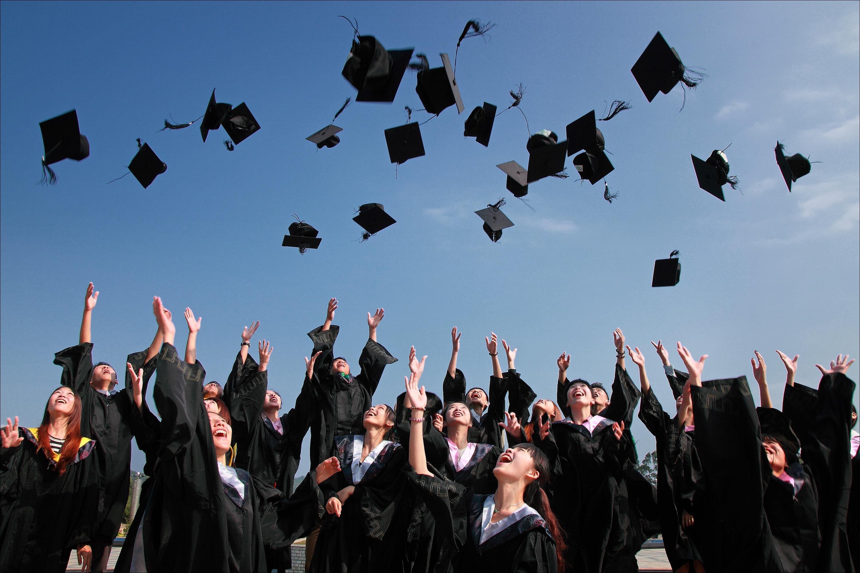 Польша разрешила въезд для студентов и учеников